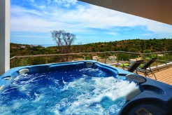Jaccuzi with seaview