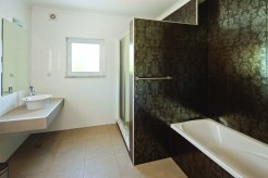 Ensuite bathroom deluxe double room
