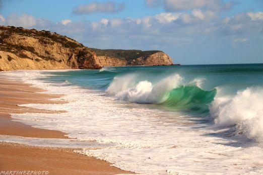 Small waves Salema